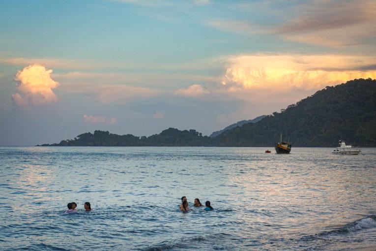 visiter capurgana, plage et jungle sur la côte caraïbe du Choco en Colombie