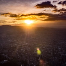 visiter monserrate coucher du soleil sur bogota