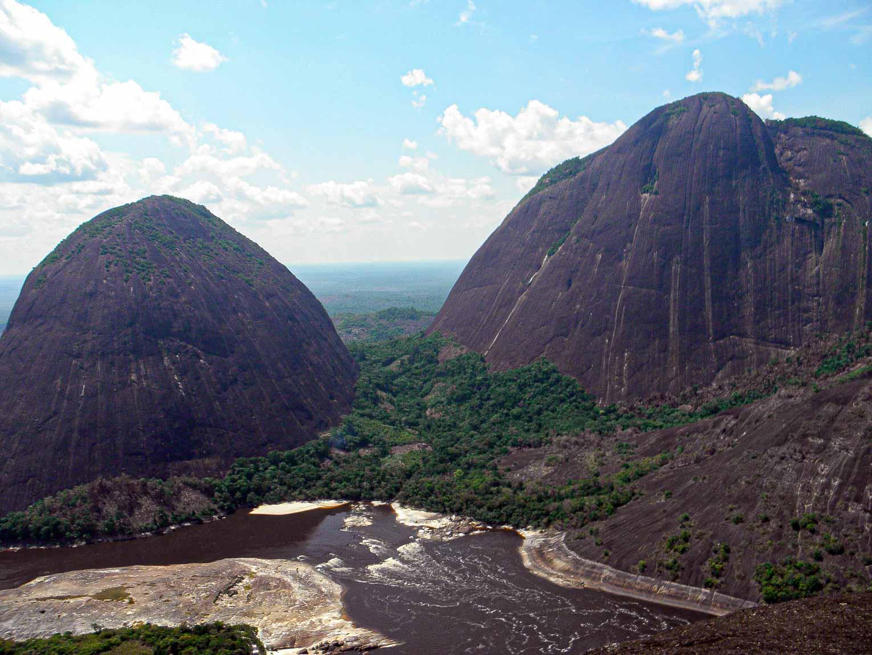 Cerros de Mavecure dans le Guainia en Colombie