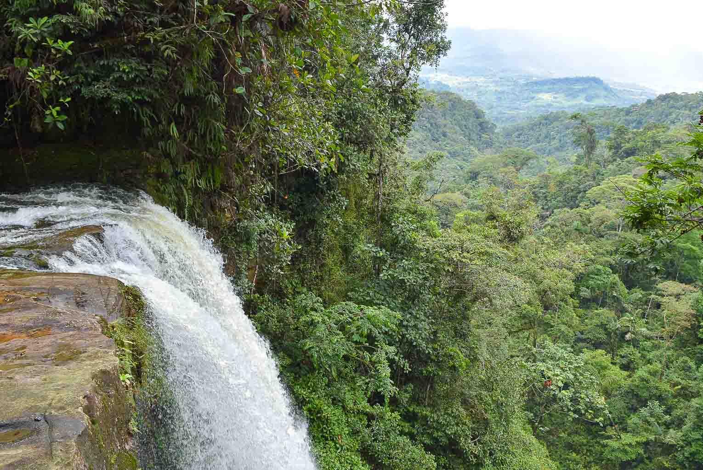Cascade de la fin du monde près de Mocoa dans le Putumayo