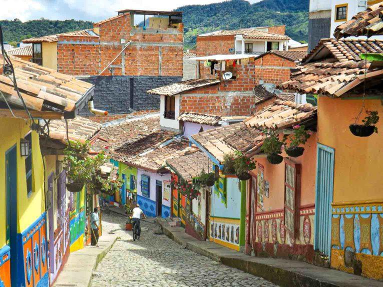 Les couleurs du village de Guatape en Colombie