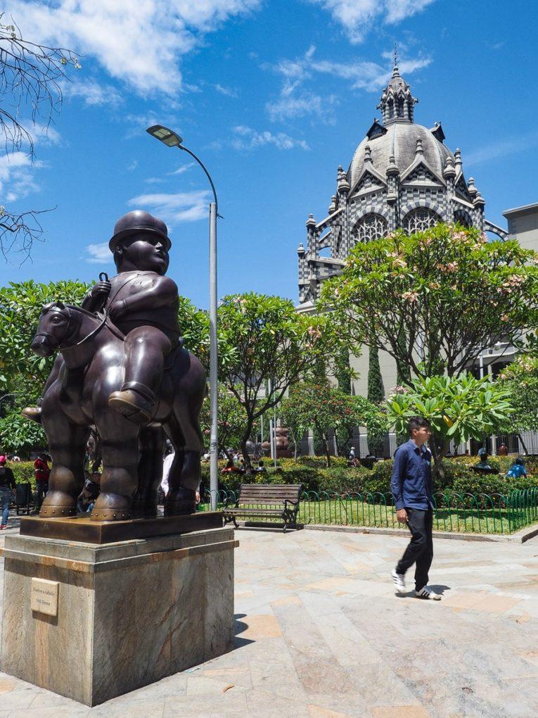 visiter la place Botero à Medellin Colombie