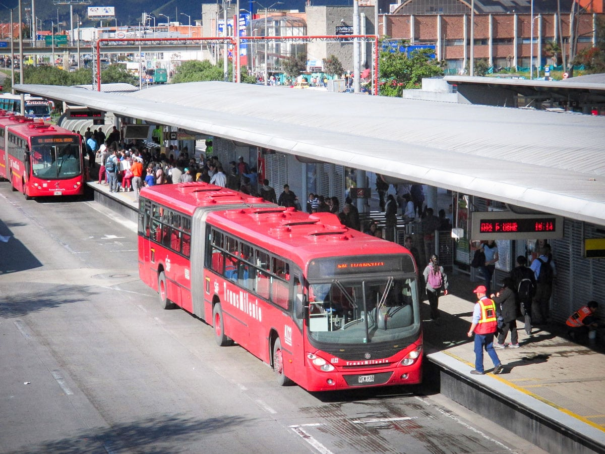 transmilenion bus transport public en colombie