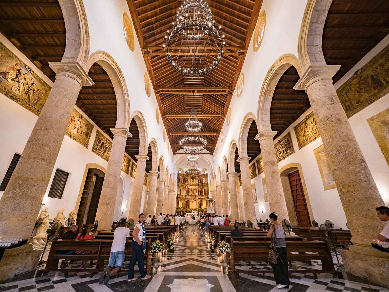 visiter la cathédrale de Cartagena en Colombie