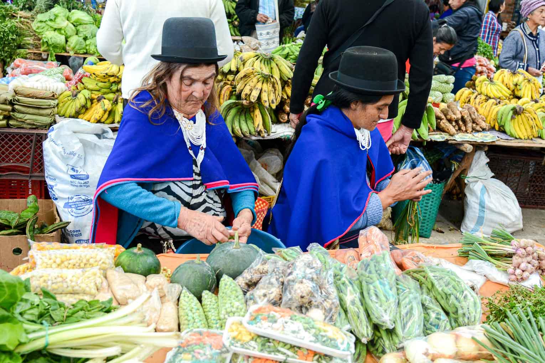 Silvia et le marché des Guambianos près de Popayan en Colombie