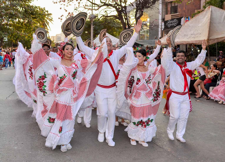 Costumes des danseurs de Cumbia en Colombie
