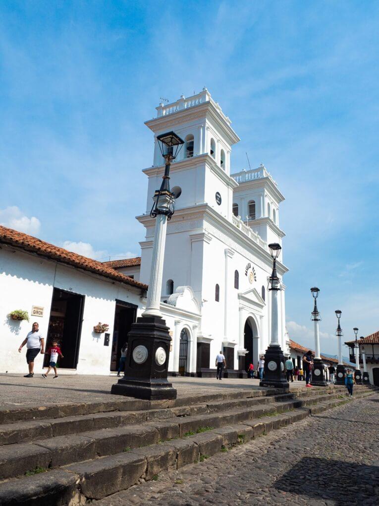 Basilique de Giron dans le Santander en Colombie