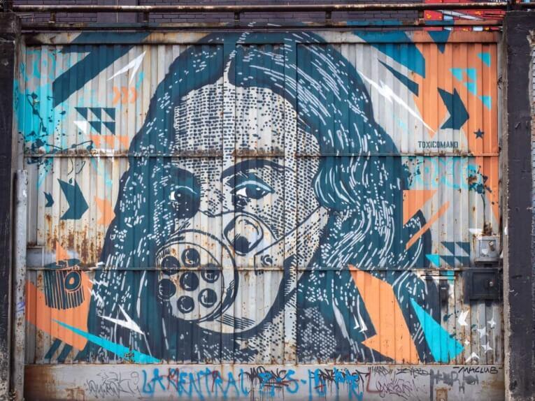 Toxicomano street art bogota